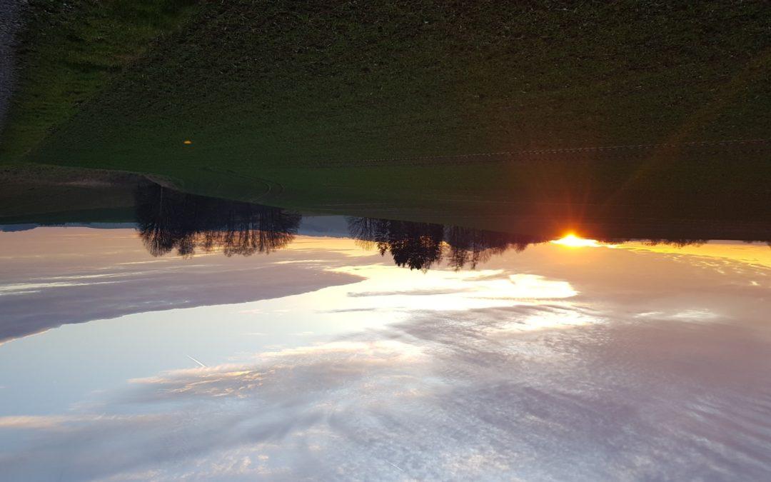 Am vorletzten Tag des Jahres wurden wir mit einem wunderschönen Sonnenuntergang …